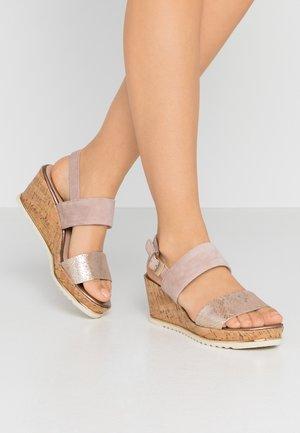 Sandály na platformě - rose/gold