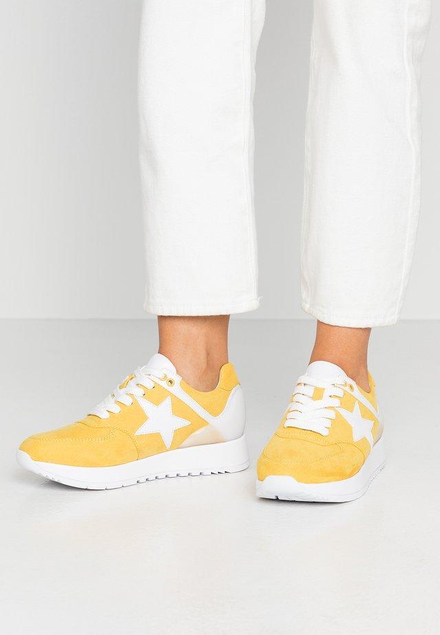 Tenisky - saffron