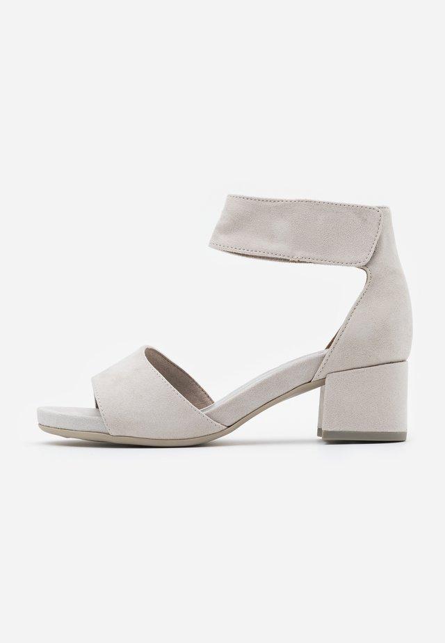 Sandalen - light grey