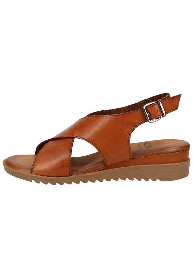 Sandaletter med kilklack - cognac 305