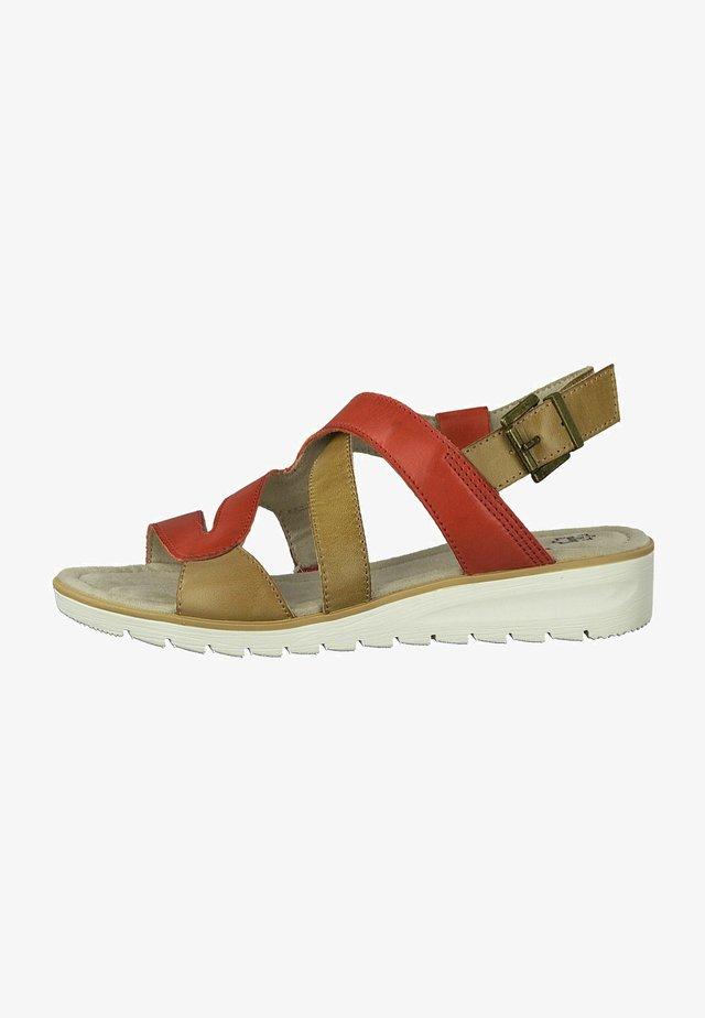 Sandals - red comb