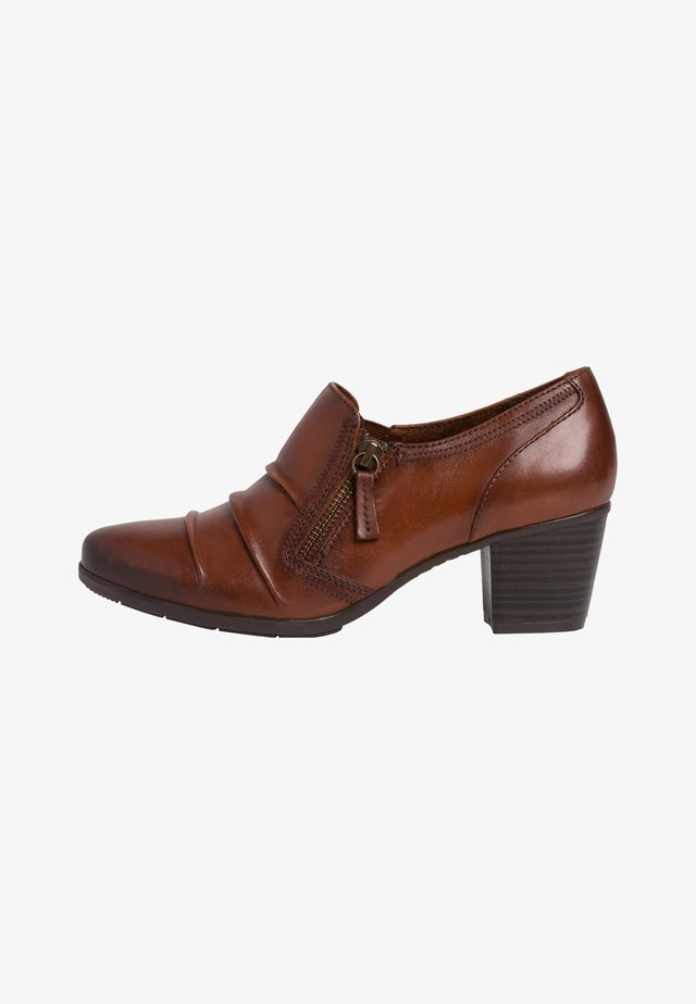 Sandalen met sleehak - chestnut