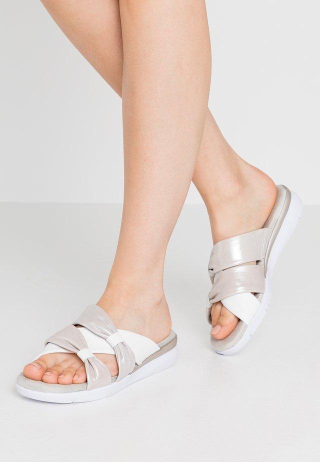 SLIDES - Mules - white/silver
