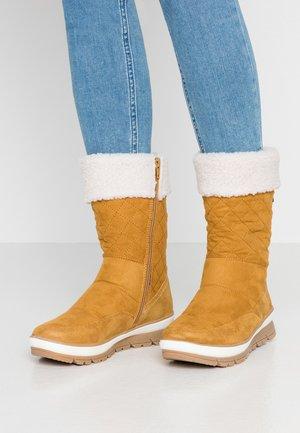Zimní obuv - saffron