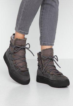 Winter boots - graphite
