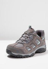 Jack Wolfskin - VOJO HIKE 2 TEXAPORE LOW - Hiking shoes - tarmac grey - 2