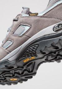 Jack Wolfskin - VOJO HIKE 2 TEXAPORE LOW - Hiking shoes - tarmac grey - 5