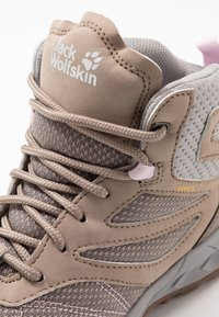 Jack Wolfskin - WOODLAND TEXAPORE MID - Hiking shoes - clay/light grey - 2