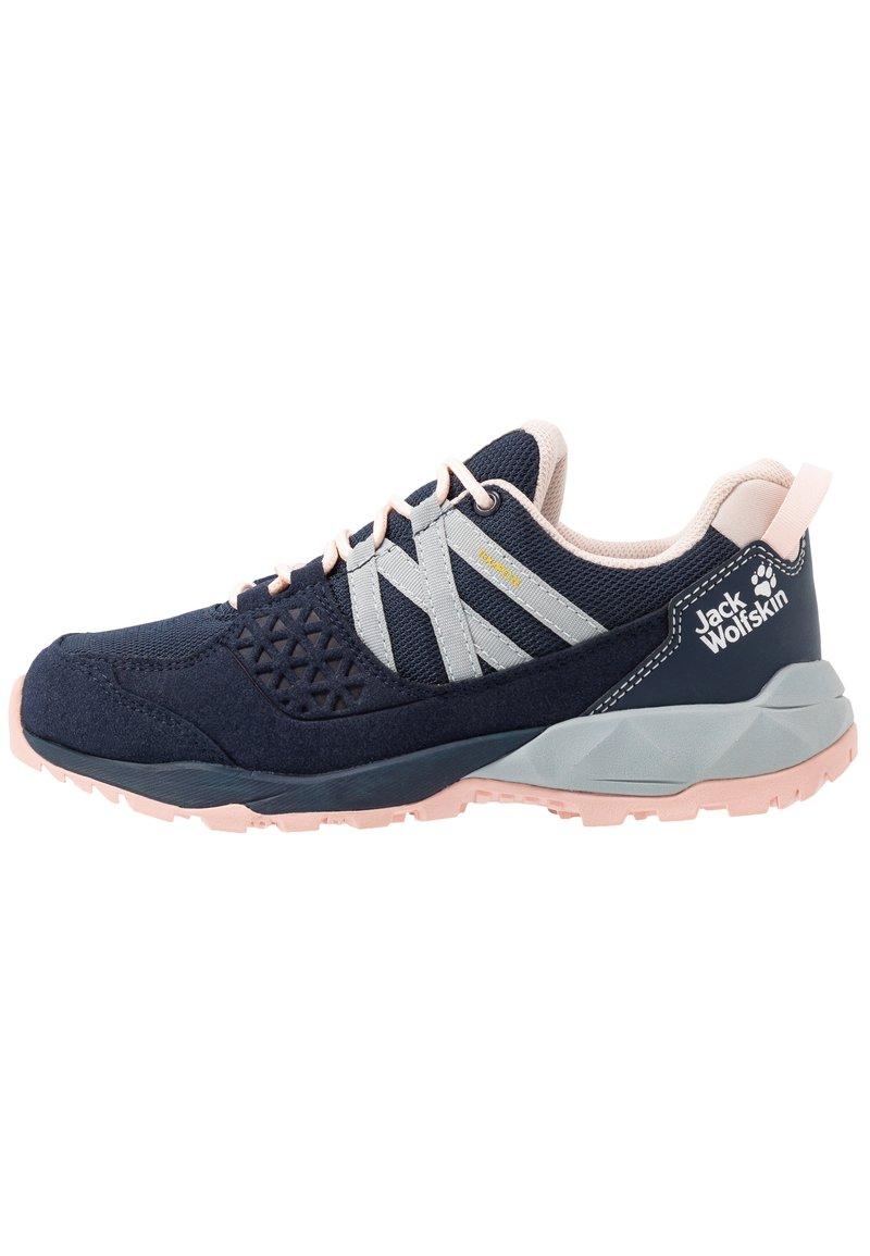 Jack Wolfskin - CASCADE HIKE TEXAPORE LOW - Hiking shoes - dark blue/pink