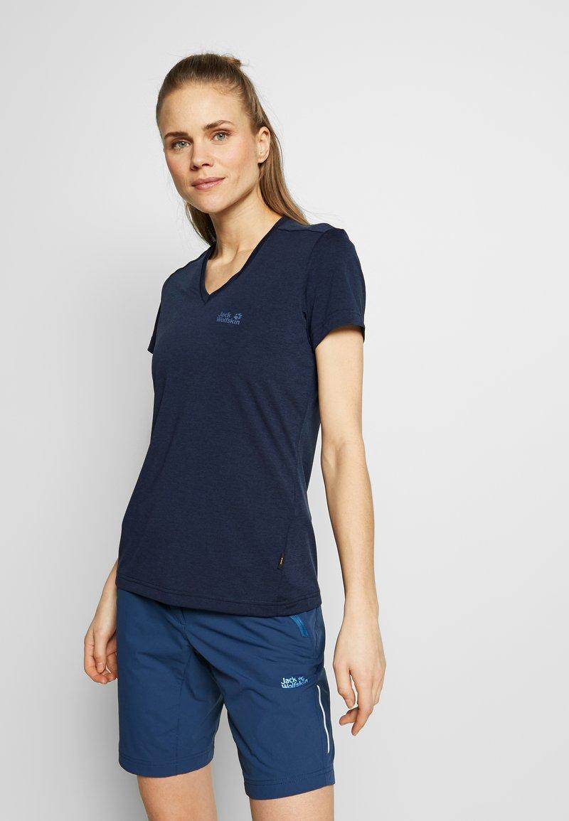 Jack Wolfskin - CROSSTRAIL WOMEN - T-Shirt basic - midnight blue