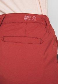 Jack Wolfskin - DESERT ROLL UP PANTS - Outdoorbroeken - auburn - 3