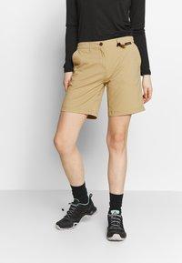 Jack Wolfskin - DESERT SHORTS  - Sports shorts - sand dune - 0