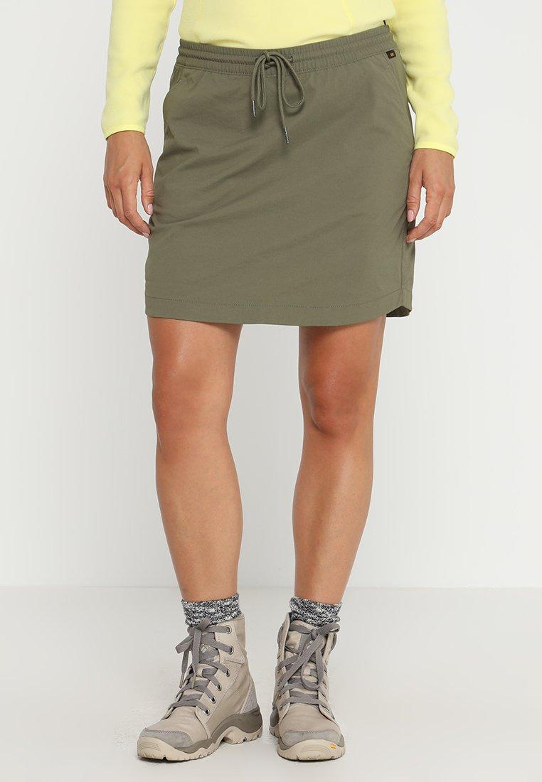 Jack Wolfskin - DESERT SKORT - Sports skirt - woodland green