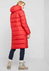 Jack Wolfskin - CRYSTAL PALACE COAT - Down coat - ruby red - 2