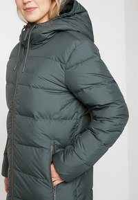Jack Wolfskin - CRYSTAL PALACE COAT - Dunkappa / -rock - greenish grey - 3