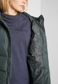 Jack Wolfskin - CRYSTAL PALACE COAT - Dunkappa / -rock - greenish grey - 5