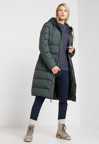 Jack Wolfskin - CRYSTAL PALACE COAT - Dunkappa / -rock - greenish grey - 1