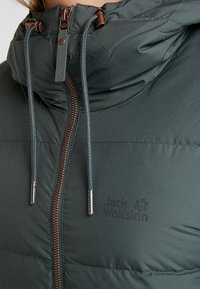 Jack Wolfskin - CRYSTAL PALACE COAT - Dunkappa / -rock - greenish grey - 4
