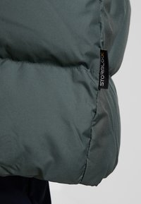 Jack Wolfskin - CRYSTAL PALACE COAT - Dunkappa / -rock - greenish grey - 7