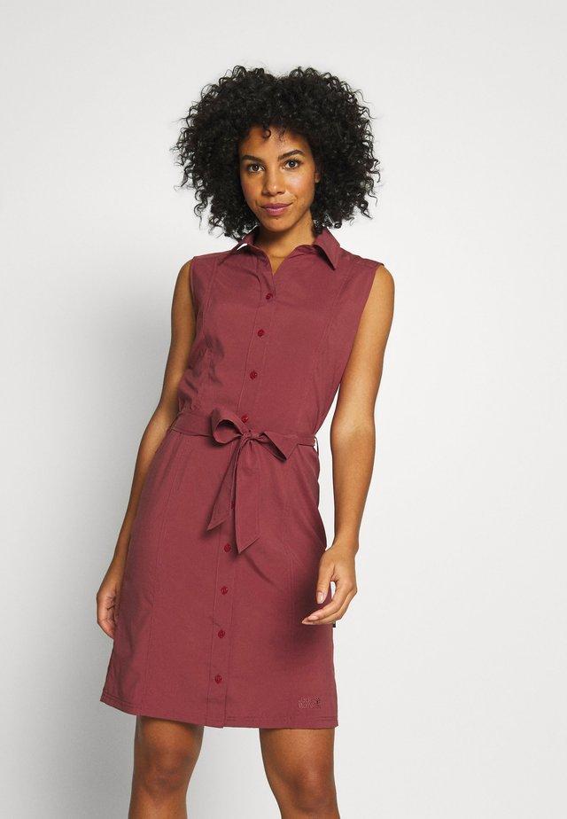 SONORA DRESS - Jurken - auburn