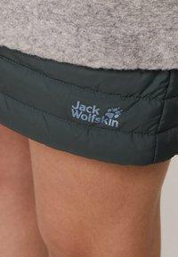 Jack Wolfskin - ICEGUARD SKIRT - Sportovní sukně - greenish grey - 4
