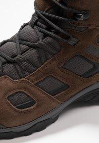 Jack Wolfskin - VOJO HIKE 2 TEXAPORE MID - Hiking shoes - dark wood - 5