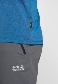 Jack Wolfskin - CROSSTRAIL GRAPHIC - T-Shirt print - indigo blue - 3