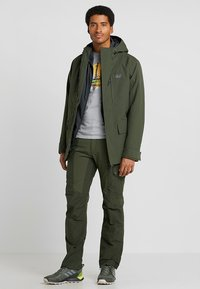 Jack Wolfskin - WEST JACKET - Kurtka Outdoor - dark moss - 1