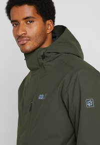 Jack Wolfskin - WEST JACKET - Kurtka Outdoor - dark moss - 5