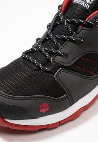 Jack Wolfskin - MTN ATTACK 3 XT TEXAPORE LOW - Hikingschuh - black/red - 2