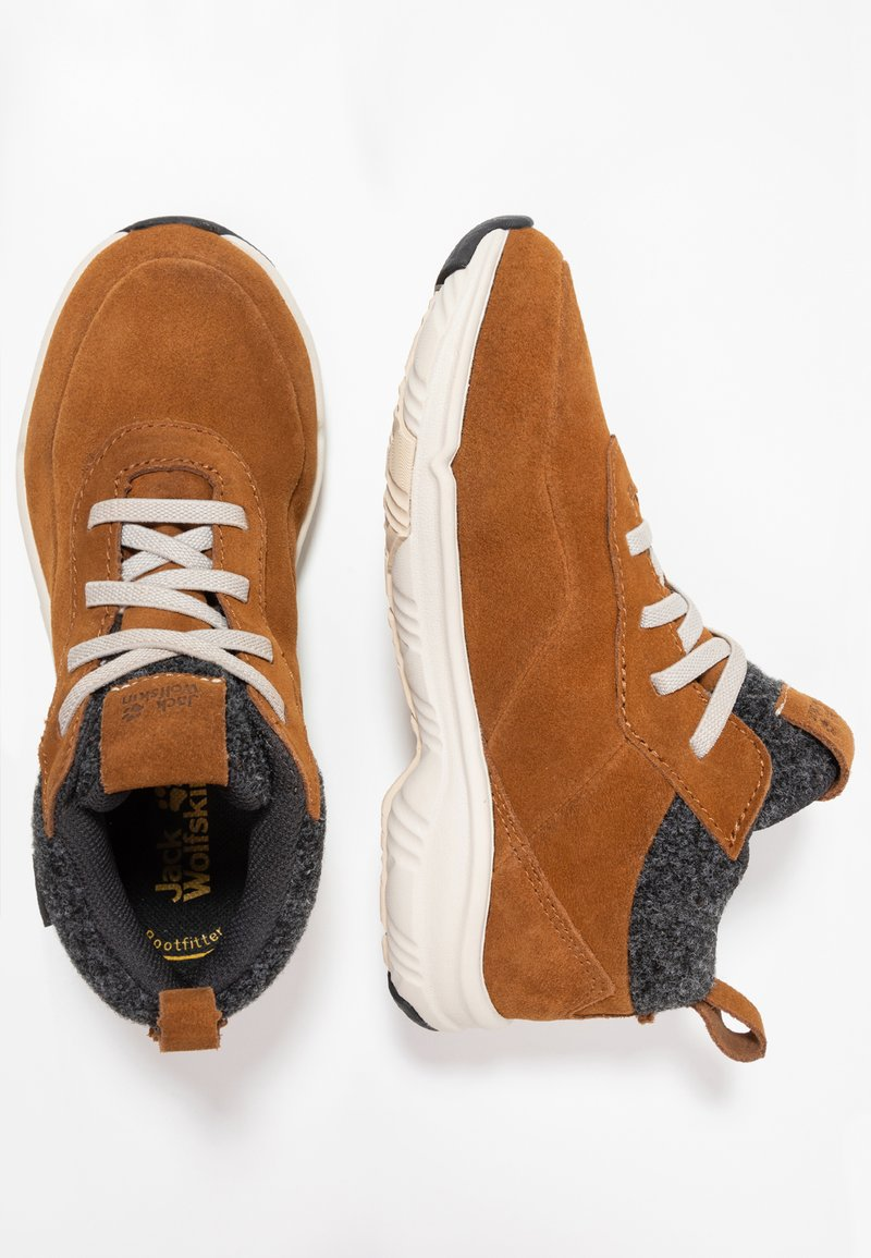 Jack Wolfskin - CITY BUG TEXAPORE LOW - Hiking shoes - desert brown/champagne