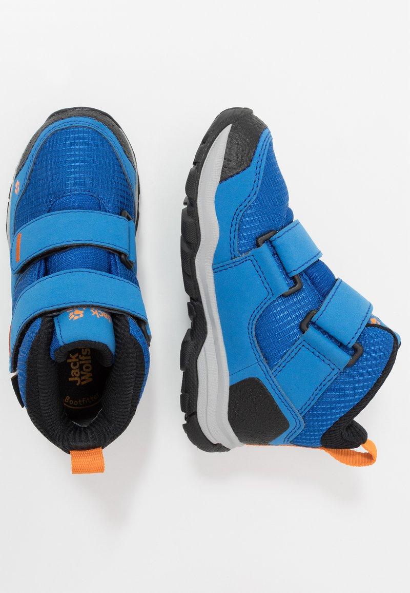 Jack Wolfskin - MTN ATTACK 3 TEXAPORE MID  - Zapatillas de senderismo - blue/orange