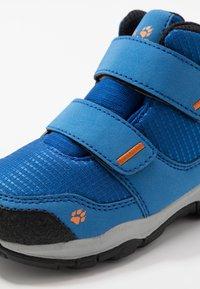 Jack Wolfskin - MTN ATTACK 3 TEXAPORE MID  - Zapatillas de senderismo - blue/orange - 2