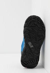 Jack Wolfskin - MTN ATTACK 3 TEXAPORE MID  - Zapatillas de senderismo - blue/orange - 5