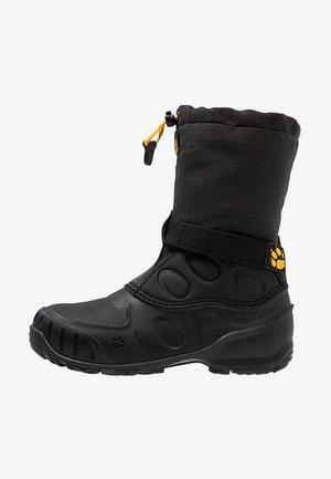 ICELAND HIGH - Botas para la nieve - black/burly yellow