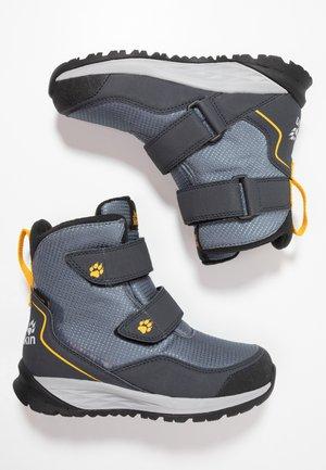 POLAR BEAR TEXAPORE HIGH - Snowboots  - pebble grey/burly yellow