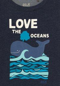 Jack Wolfskin - OCEAN KIDS - Camiseta estampada - night blue - 3