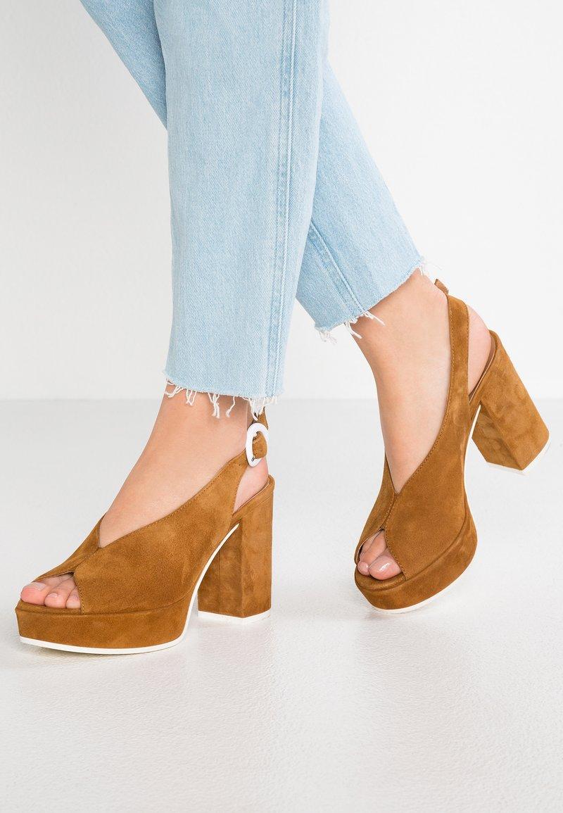 Janet Sport - Sandály na vysokém podpatku - adele
