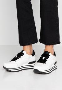 Janet Sport - Sneakers basse - karla/nero/roccia - 0