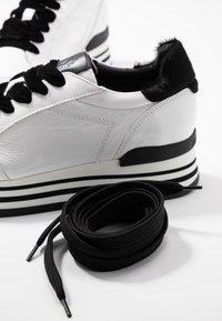Janet Sport - Sneakers basse - karla/nero/roccia - 7