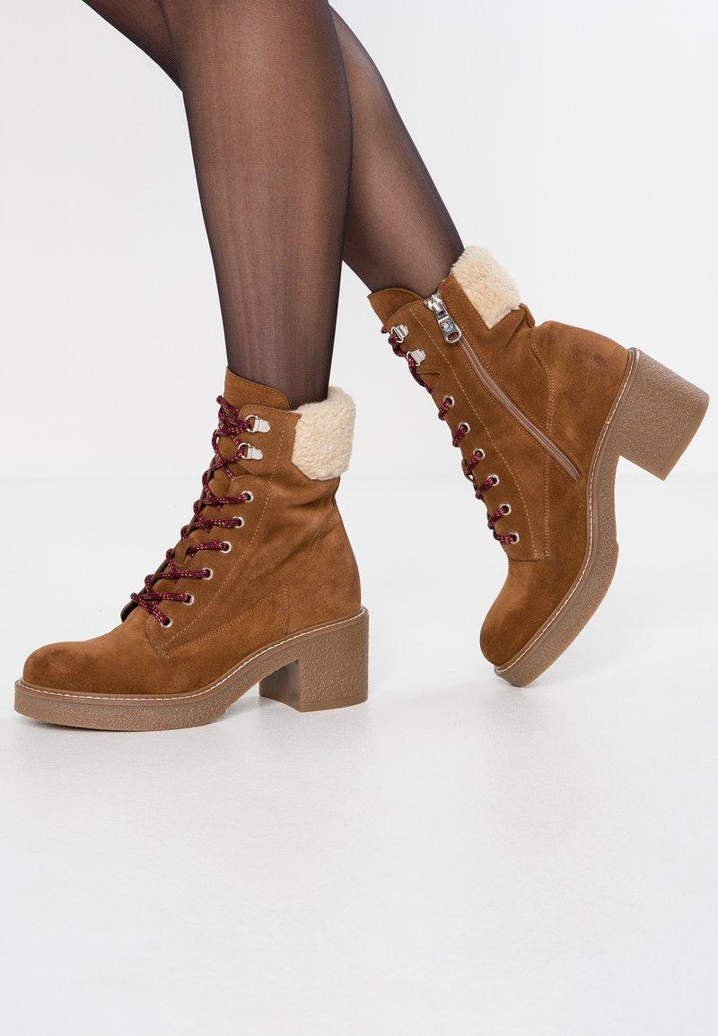 Janet Sport - Platform ankle boots - cognac