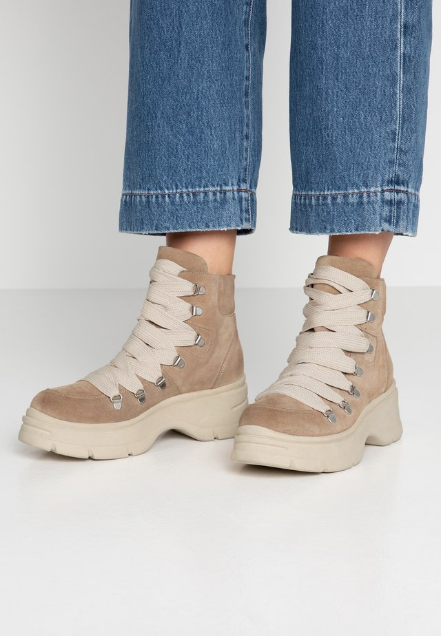 Ankle Boot - diana camel