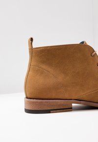 JDWILLIAMS - CHUKKA BOOT - Sporty snøresko - tan - 5