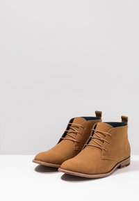 JDWILLIAMS - CHUKKA BOOT - Sporty snøresko - tan - 2