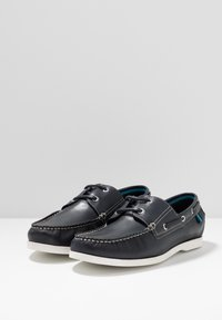 Jacamo - WIDE BOAT SHOE WITH CONTRAST SHOE - Boat shoes - navy/white - 2