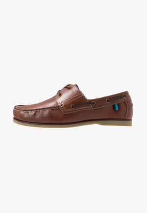 WIDE CLASSIC BOAT SHOE - Båtsko - brown