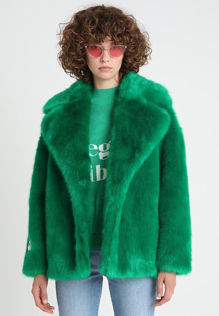 Jakke - RITA LUXE FAUX - Winterjas - green