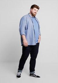 Jack´s Sportswear - COMFORT FIT BLEND SHORT BOX - Chemise - blue - 1