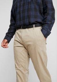 Jack´s Sportswear - STRETCH WITH BELT - Chinot - sand - 4