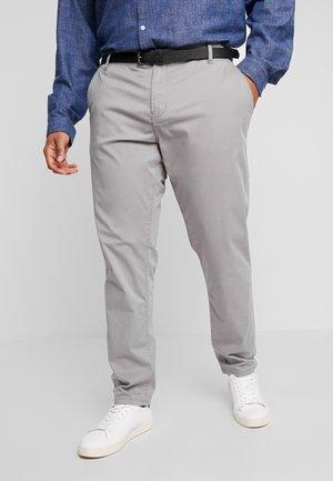 STRETCH WITH BELT - Chino kalhoty - grey